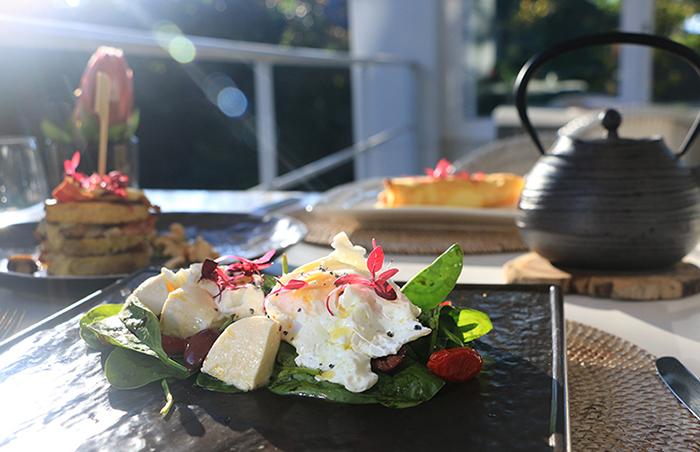 breakfast-at-atholplace-hotel-villa-1